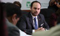 El canciller Pedro Brolo informa sobre las destituciones en misiones diplomáticas. (Foto Prensa Libre: Carlos Hernández).