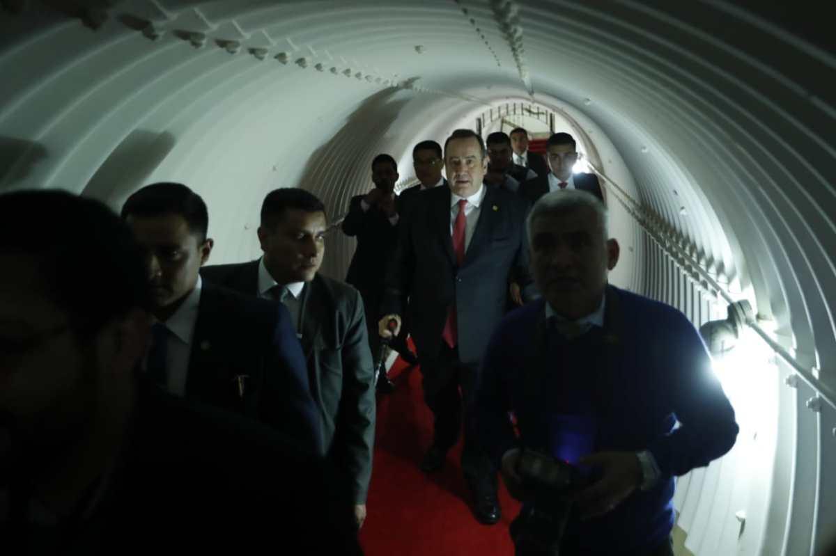 Presidente Giammattei aún no define si hará pública su declaración patrimonial, pero ofrece acceso libre a la información