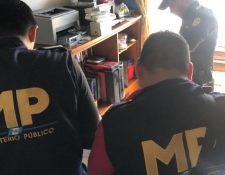 El MP efectúa los allanamientos por caso de producción de pornografía infantil. (Foto Prensa Libre: MP)