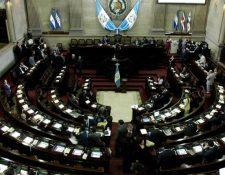 Varias iniciativas de ley en materia económica quedaron pendientes y se espera que la nueva legislatura las retome. (Foto Prensa Libre: Hemeroteca)