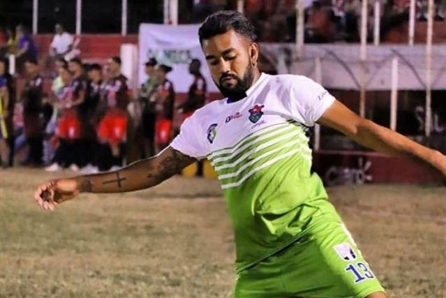 Dewinder Bradley, nuevo jugador crema. (Foto Prensa Libre: Facebook/Dewinder Bradley).