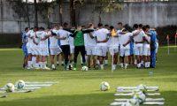 El equipo Azul y Blanco tendrá su primera prueba en el 2020 contra el combinado canalero. (Foto Prensa Libre: Hemeroteca PL)