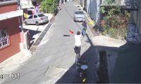 Fotograma divulgado por la PNC donde se aprecia el ataque contra Zoila Xec Pamal y Mayra Telles de León.