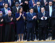 Alejandro Giammattei, presidente de la República, acompaña  la toma de posesión de Ricardo Quiñónez, alcalde capitalino. (Foto Prensa Libre: Muniguate)