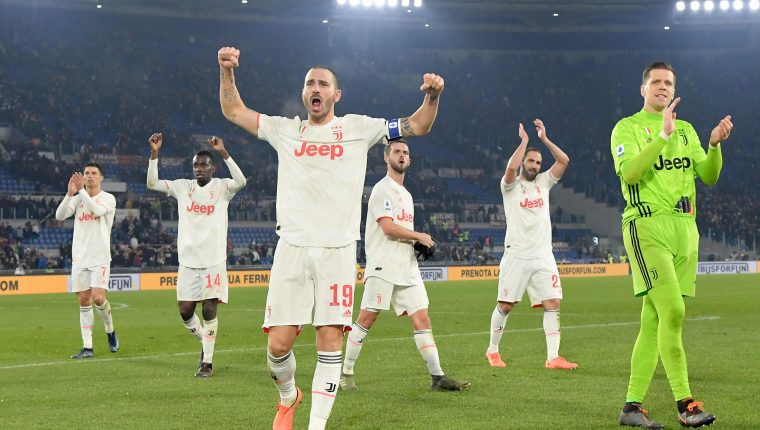 Los jugadores de la Juventus celebraron al finalizar el partido. (Foto Prensa Libre: AFP)