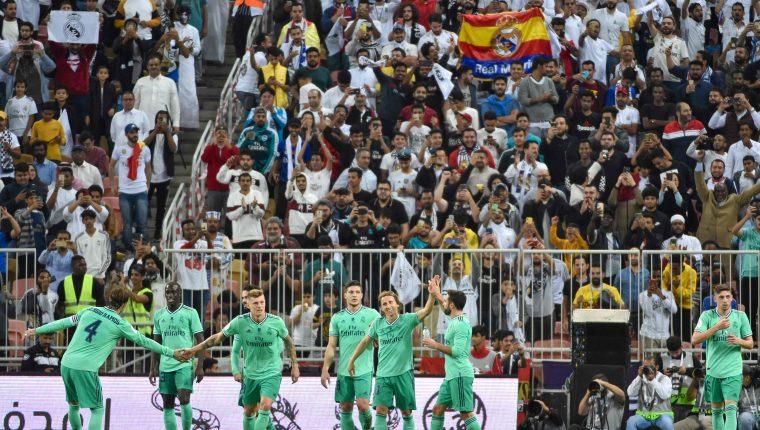 Los jugadores del Real Madrid festejaron el triunfo y el pase a la final. (Foto Prensa Libre: AFP)
