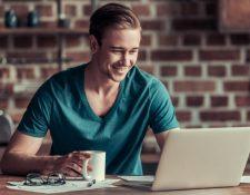 Existen múltiples aplicaciones gratuitas que puede utilizar para su beneficio y así obtener mejores resultados en la universidad.  (Foto Prensa Libre: Servicios).