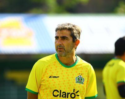 Fabricio Benítez, entrenador de Guastatoya. (Foto Prensa Libre: Luis López)
