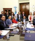 este viernes se reunión por primera vez la junta directiva del Congreso, y citó a los directores de la diferentes dirección del Organismo Legislativo. (Foto Prensa Libre: Congreso)