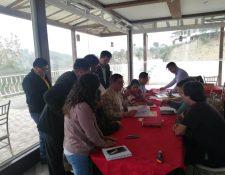 Con el amparo pretenden dejar sin efecto el proceso de selección de candidatos para gobernador de Xela. (Foto Prensa Libre: María Longo)