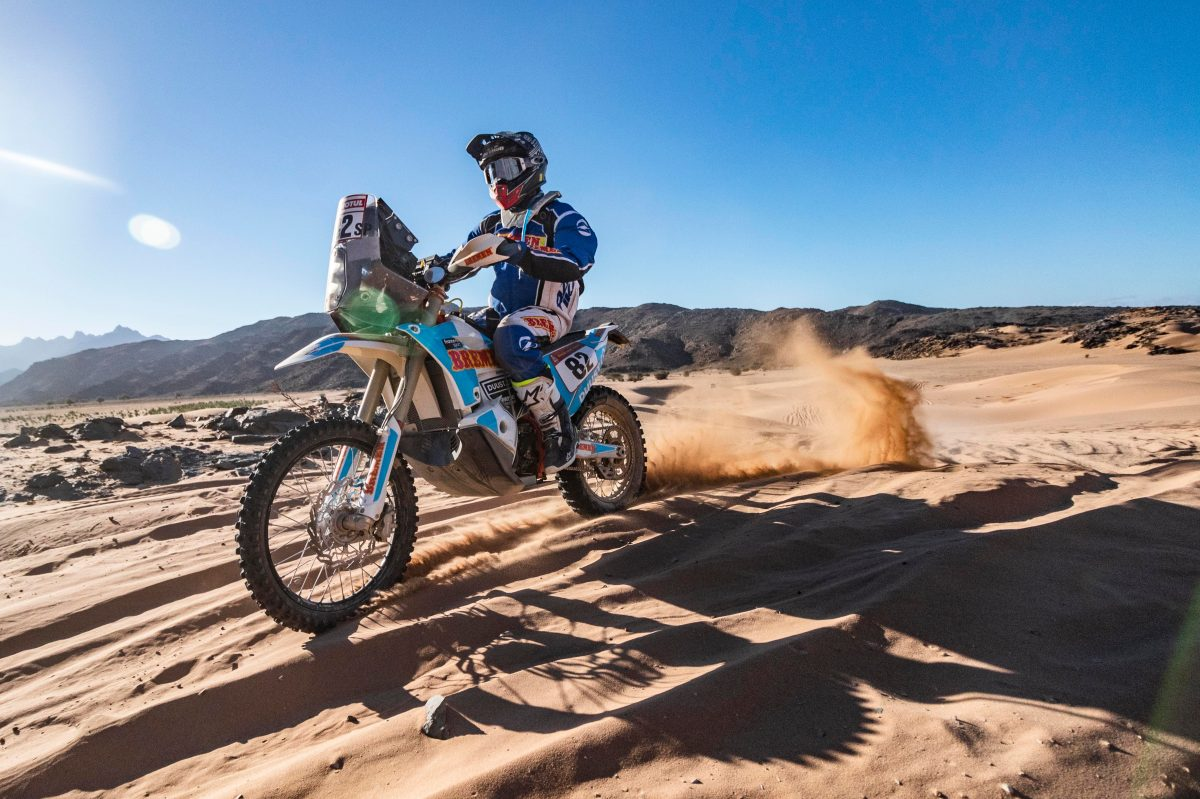 Francisco Arredondo cumple en la primera etapa del rally Dakar