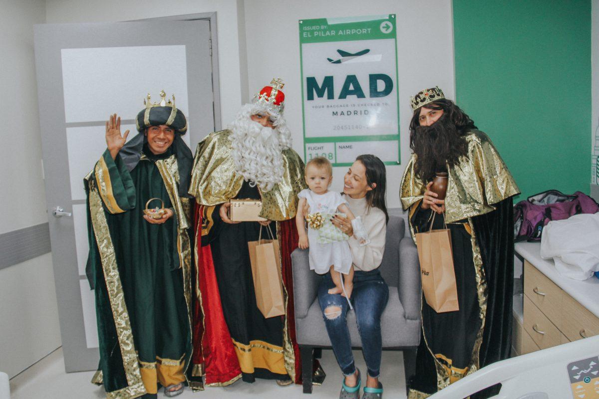 Los Reyes Magos llevan alegría a la emergencia pediátrica del Sanatorio El Pilar