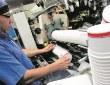 Las diferentes actividades industriales, de comercio y servicio deben presentar sus instrumentos ambientales o registros. (Foto, Prensa Libre: Hemeroteca PL).