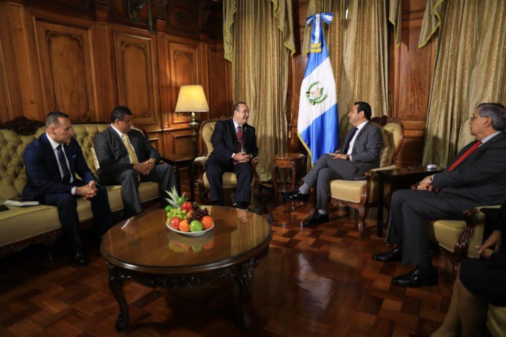 La Guatemala que Jimmy Morales le entrega a Giammattei, según las calificadoras de riesgo