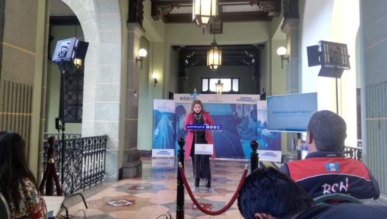 La ministra de Relaciones Exteriores dio una conferencia de prensa al finalizar la reunión de gabinete. (Foto Prensa Libre: Minex)