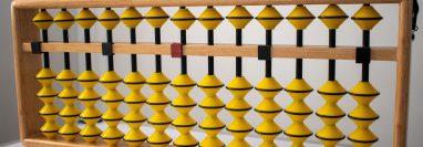 La franquicia educativa Juegos Matemáticos se basa en metodologías japonesas como el ábaco, comenta la empresaria. (Foto, Prensa Libre: cortesía Juegos Matemáticos).