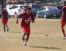 El delantero mexicano Carlos Kamiani Félix comenzó con un doblete el Clausura 2020. (Foto Prensa Libre: Carlos Paredes)