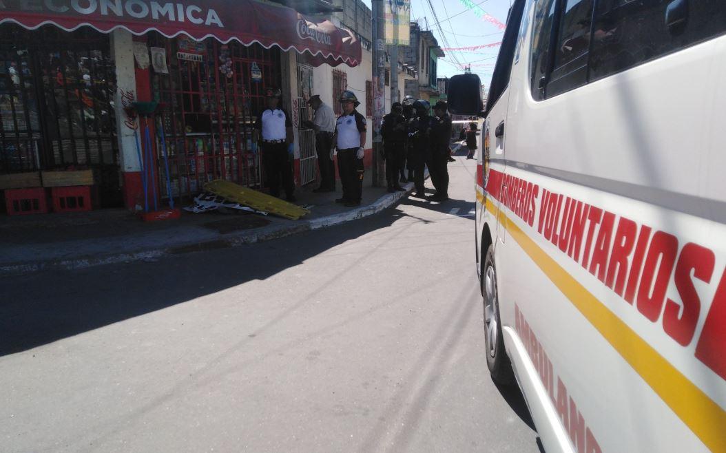 Mujer muere baleada cuando estaba en una tienda en San Miguel Petapa