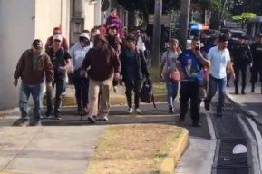 Otra caravana de salvadoreños sale de su país y pretende llegar a EE. UU.