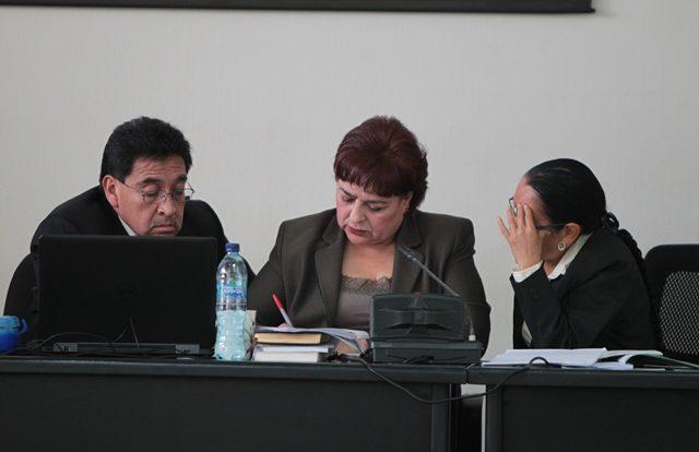 El Tribunal B de Mayor Riesgo es presidido por la jueza María Eugenia Castellanos -centro-. (Foto Prensa Libre: Hemeroteca PL)