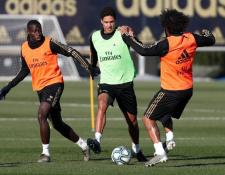 El lateral brasileño Marcelo ya trabaja tranquilo con el grupo en el Real Madrid. (Foto Prensa Libre: Twitter Real Madrid)