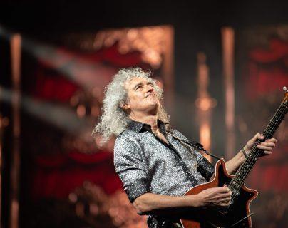 El guitarrista de Queen Brian May, durante un concierto en Seúl. (Foto Prensa Libre: AFP)