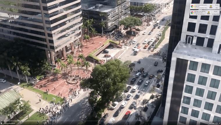 En Miami las autoridades evacuaron los edificios después del terremoto de 7.7 grados en Jamaica y Cuba. (Foto Prensa Libre: Redes)