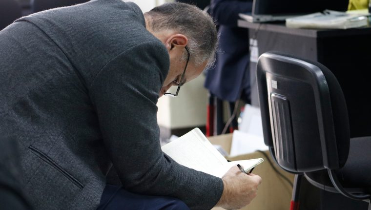 El expresidente del Congreso de la República Pedro Muadi reniega la declaración del testigo del Ministerio Público en el juicio en su contra. (Foto Prensa Libre: Fernando Cabrera)