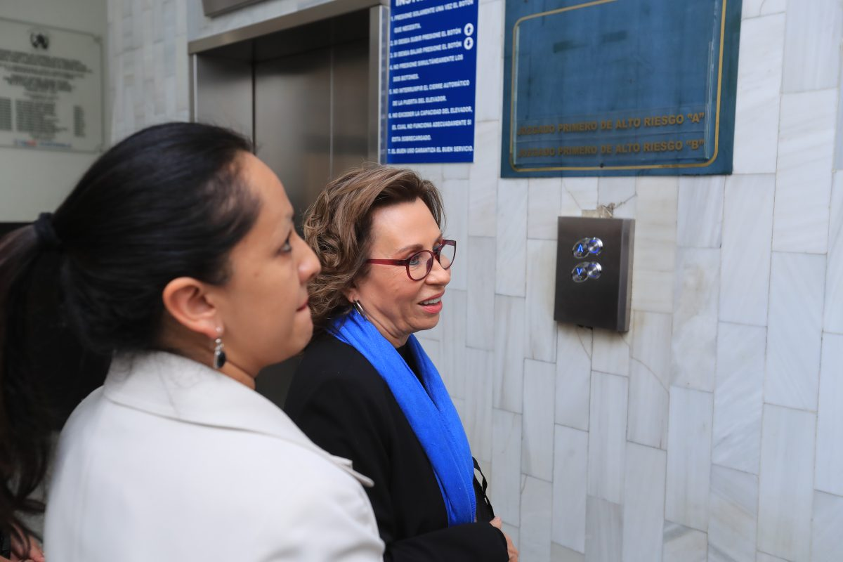 TSE decide no reconocer a Sandra Torres como secretaria general de la UNE e inscribe a Óscar Argueta, de forma provisional
