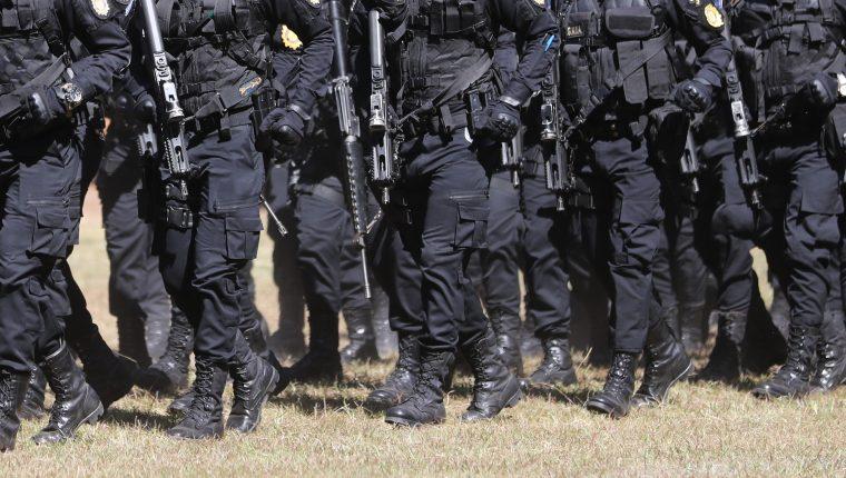 Caso por el que fueron detenidos los uniformados está a cargo de la Fiscalía de Delitos Administrativos. Foto Prensa Libre: Hemeroteca PL