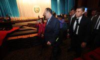 Alejandro Giammattei supervisa los preparativos en el Teatro Nacional para la ceremonia de investidura. (Foto Prensa Libre:Erick Avila)