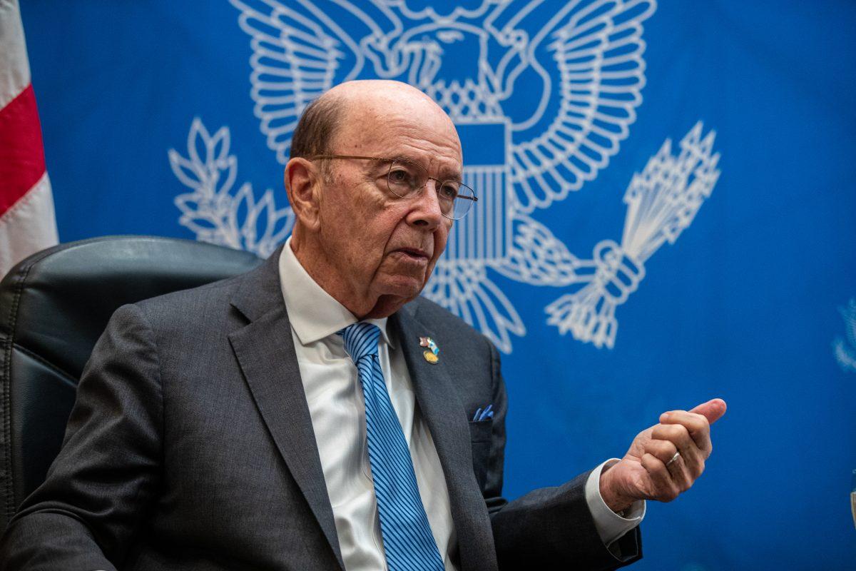 """Secretario de Comercio de EE. UU.: """"Si ayudamos a crear empleos, el guatemalteco no huirá del país"""""""
