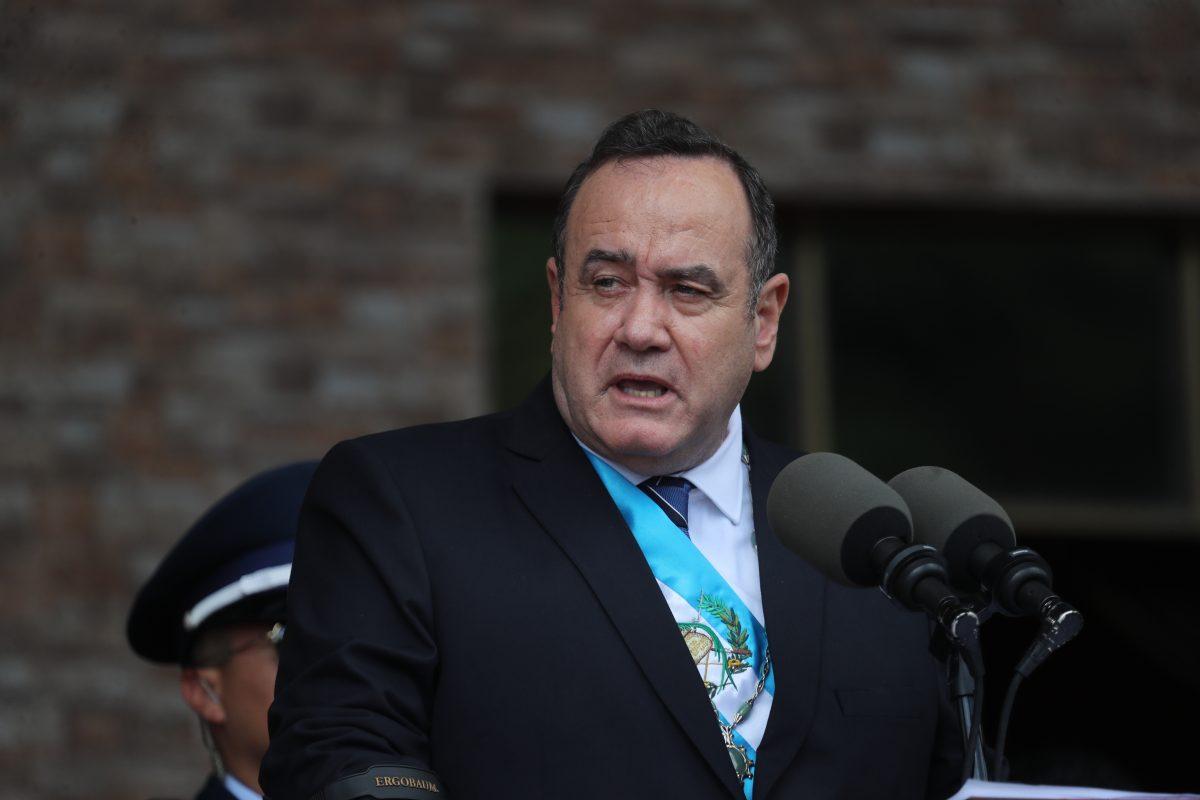 Alejandro Giammattei crea comisión presidencial contra la corrupción