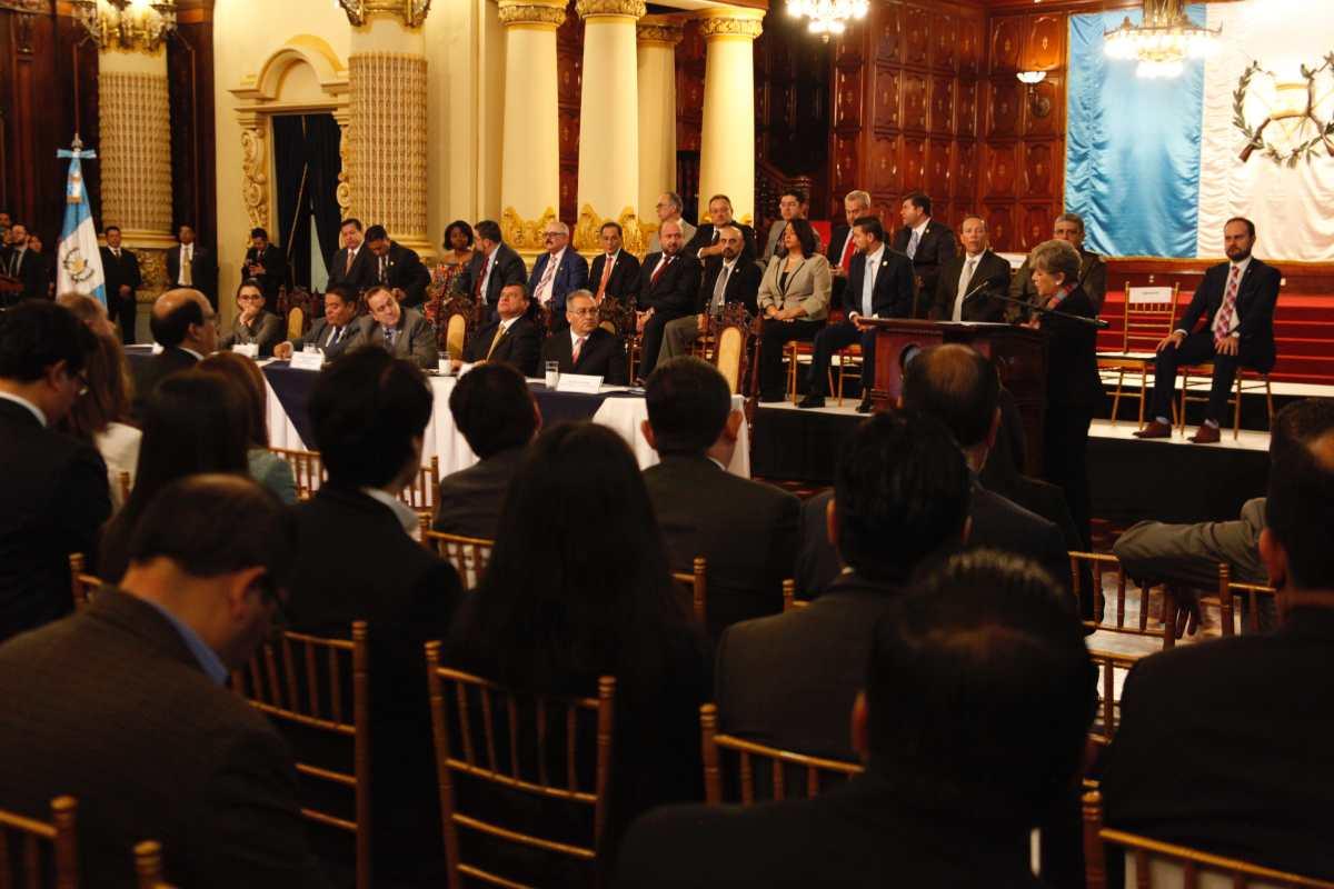 """""""Sí, Guatemala crece, pero sin derrama social"""": Las palabras de la secretaria de Cepal a Giammattei"""