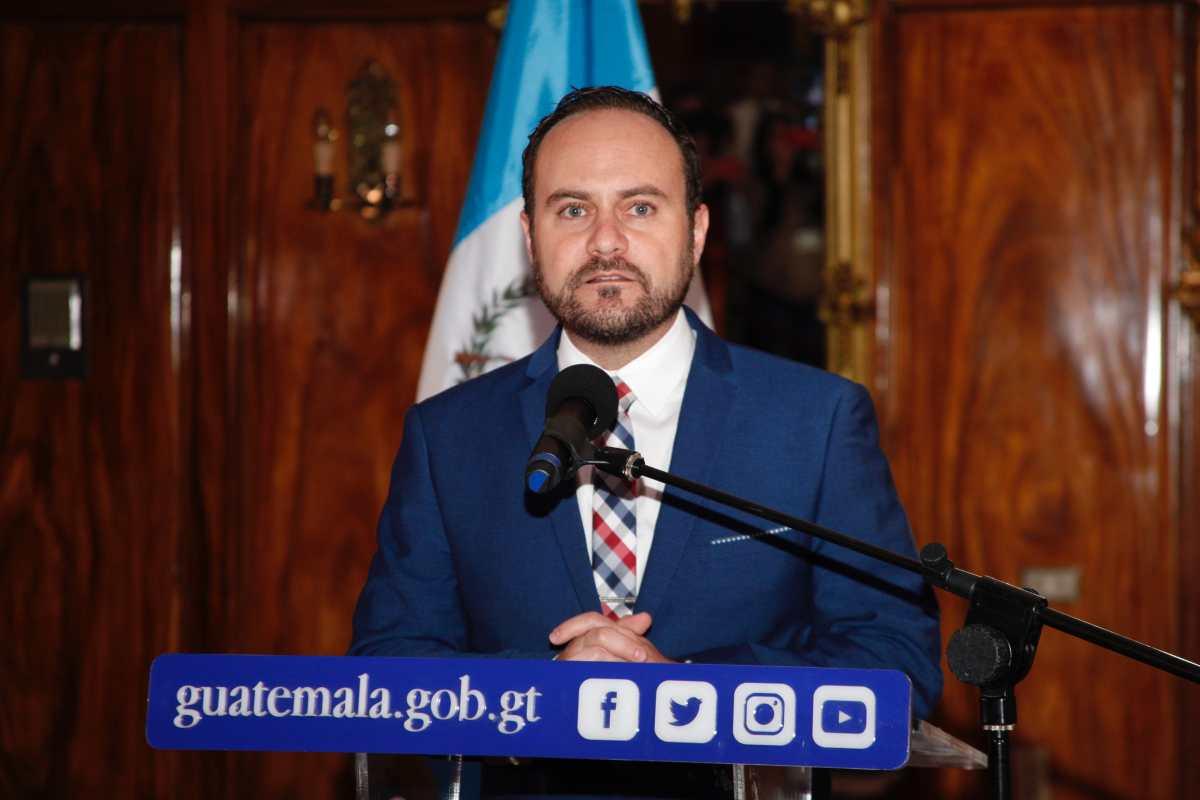 Canciller anuncia la remoción de siete funcionarios más del Minex