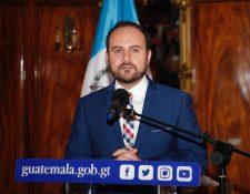 Pedro Brolo anunció la destitución de siete diplomáticos que no son de carrera. (Foto Prensa Libre: Hemeroteca)