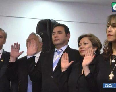 Jimmy Morales tendría que asistir este lunes a su primera sesión como diputado del Parlacén
