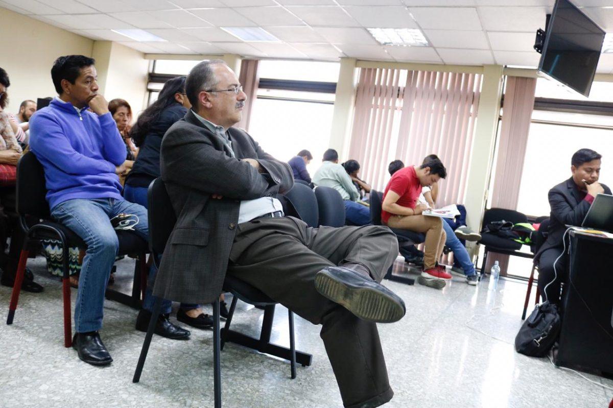 """Abogado de Pedro Muadi explica por qué este no """"reclutó"""" personal en el Congreso y pide a Tribunal que lo absuelva"""
