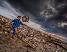 La contaminación por plástico causa preocupación a varios sectores de la sociedad. (Foto Prensa Libre: Cortesía Sergio Izquierdo)