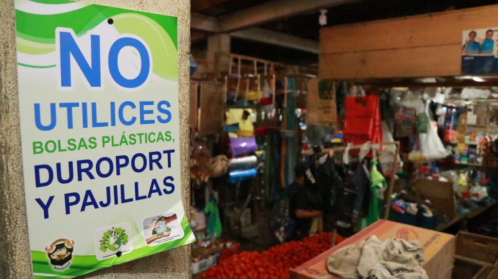 Multas de entre Q300 y Q800 para quienes usen y comercialicen plástico y duroport en San Juan Bautista