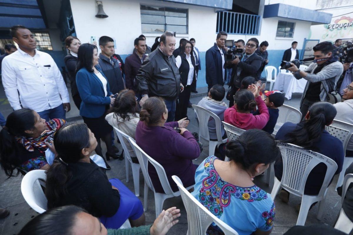 Gobierno analiza presencia de Acisclo Valladares Molina en Guatemala y no en su embajada