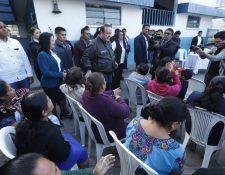 El presidente Alejandro Giammattei visita el Complejo para la Paz número 2 unidad escolar 25 de junio. (Foto Prensa Libre: Esbin García)