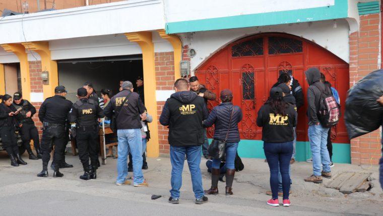 Operativo de la PNC y MP en San Antonio Ilotenango, Quiché, fue para buscar evidencias de los disturbios provocados durante las elecciones generales de 2019. (Foto Prensa Libre: Héctor Cordero)
