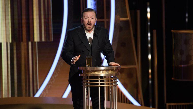 Ricky Gervais amenizó la gala de los Globos de Oro por quinta vez. (Foto Prensa Libre: AFP)