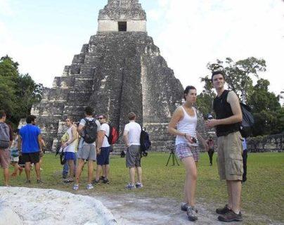 Tikal es uno de los principales sitios turísticos del país, pero necesita mejorar sus servicios al visitante. (Foto, Prensa Libre: Hemeroteca PL).