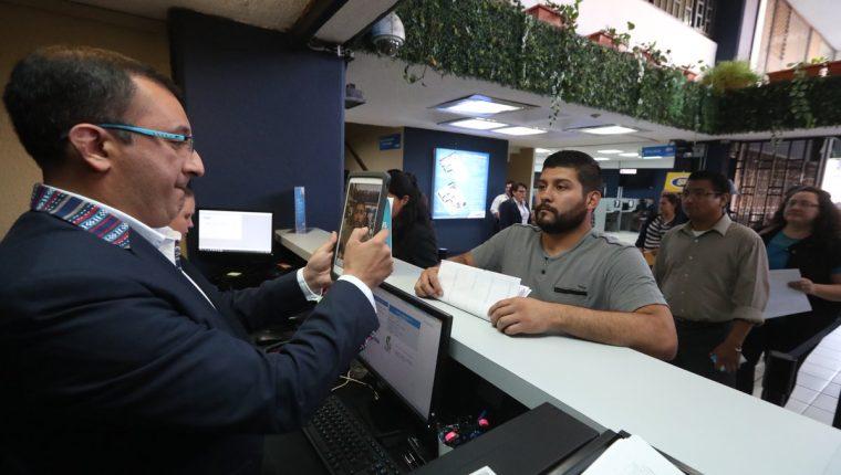 Muchas de las obligaciones en el año son el pago de impuestos, pero también incluyen pagos como el boleto de ornato, envió de informes o planillas. (Foto, Prensa Libre: Hemeroteca PL).