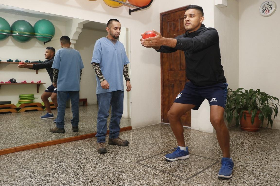 """Víctor Guay: """"Fue un duro golpe, pero pronto volveré a la cancha"""""""