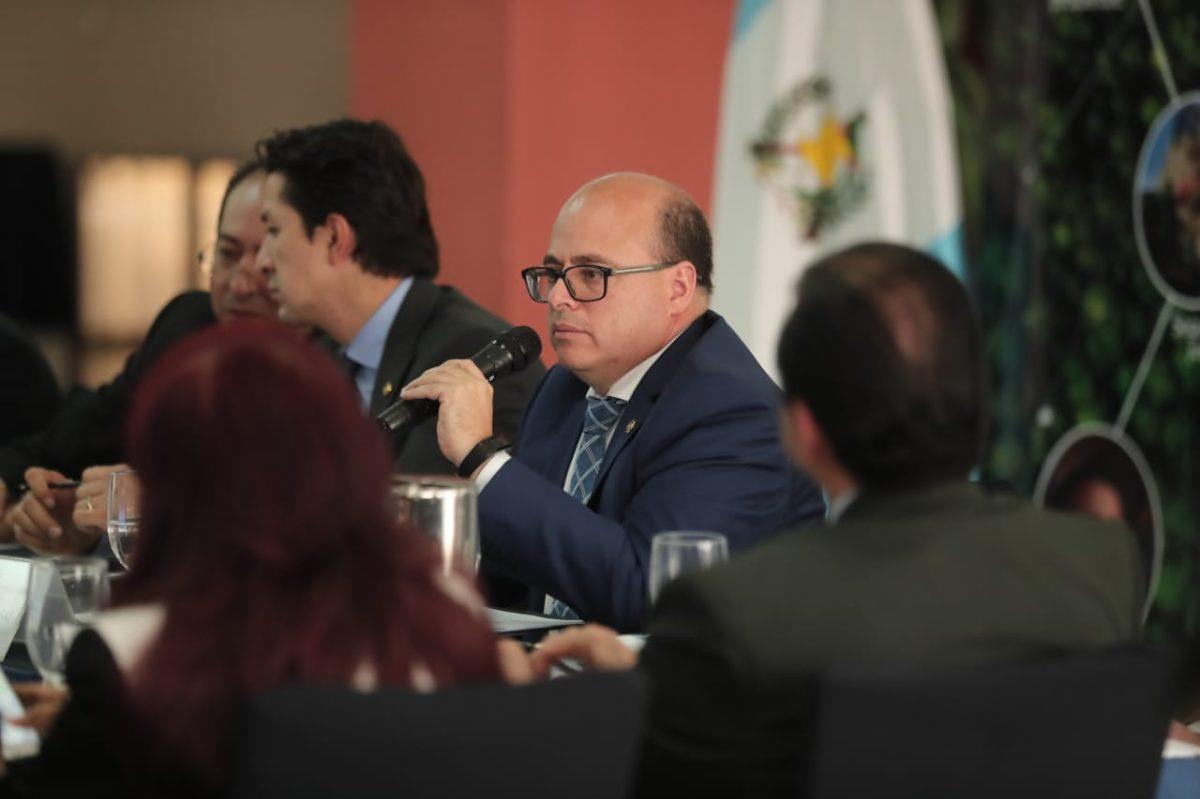 Jefe de la SAT a examen: Directorio decidirá continuidad de Abel Cruz