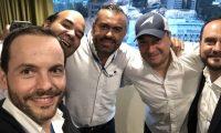 Yago de Marta, Alonso Cedeño, Sergio Torres Ávila, Poll Anria y Pedro Brolo, celebran el triunfo de Giammattei. (Foto Prensa Libre)