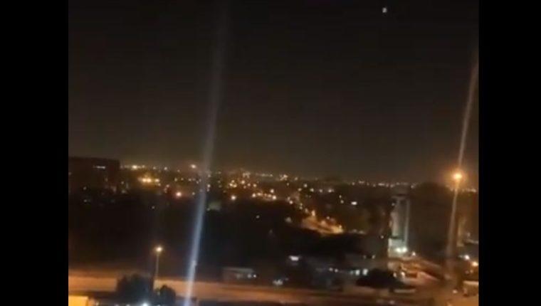 Dos explosiones se escucharon en el centro de Gabdad, lugar de residencia de varias sedes diplomáticas. (Foto Prensa Libre: captura de pantalla)